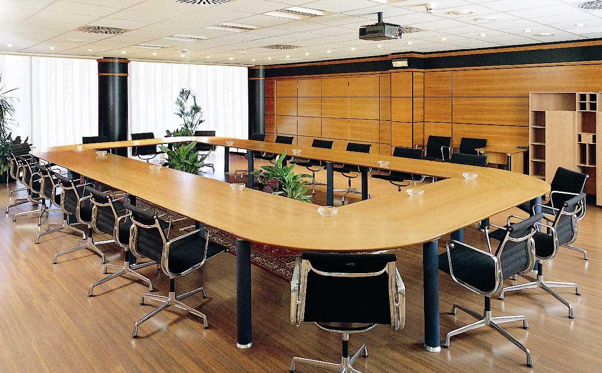 J card 5 estudio de planificaci n y venta de mobiliario for Mesa para 10 personas