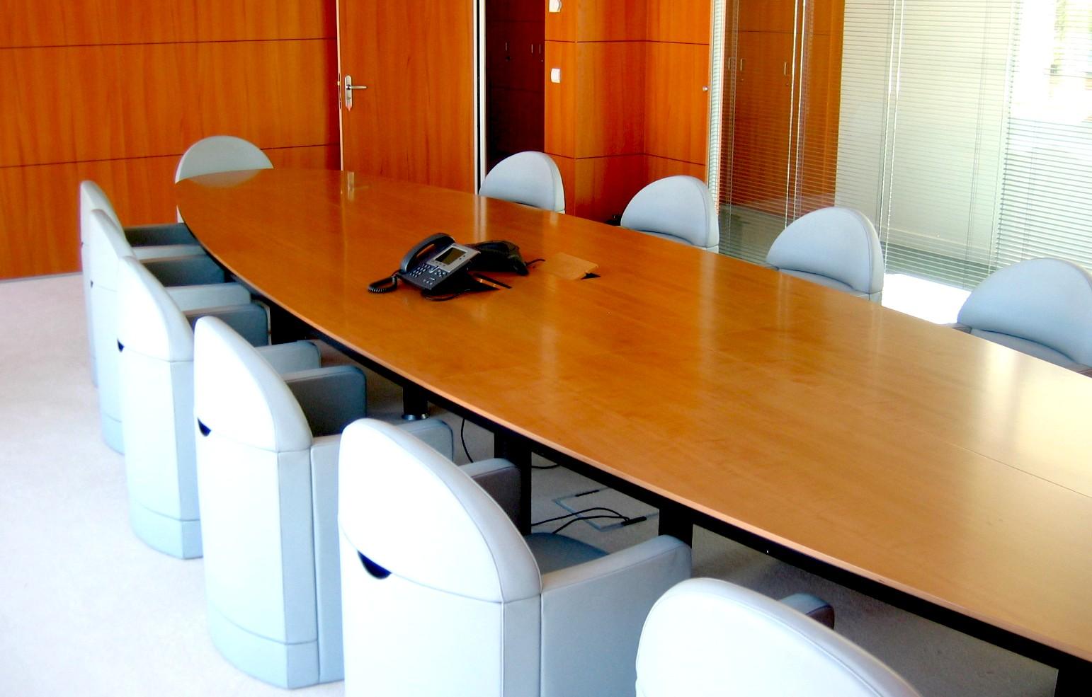 J card 5 estudio de planificaci n y venta de mobiliario for Oficina western union madrid